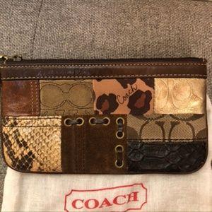 Coach wristlet - Brown Patchwork
